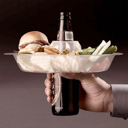 Hold your food & beverage in one hand with go plate