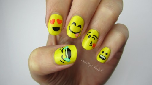 Cute DIY Emoji Nail Art Tutorial