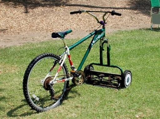 Turn A Bicycle Into A DIY Bike Lawn Mower... Truly Self Propelled Lawn Mower!