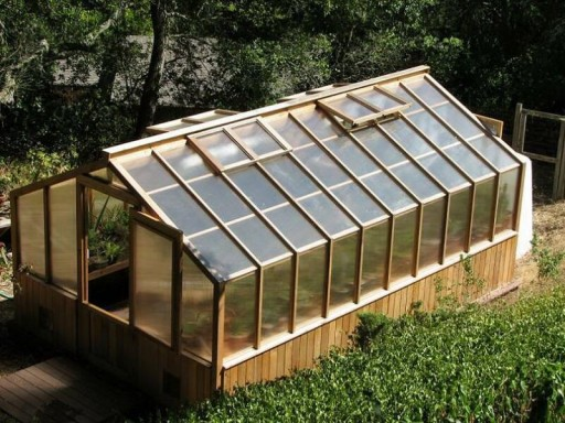 DIY Greenhouse Plans 1