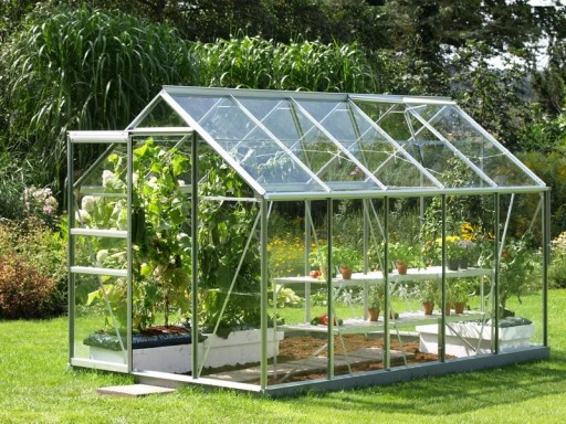 DIY Greenhouse Plans 3