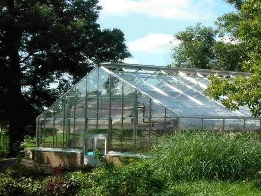 DIY Greenhouse Plans 8