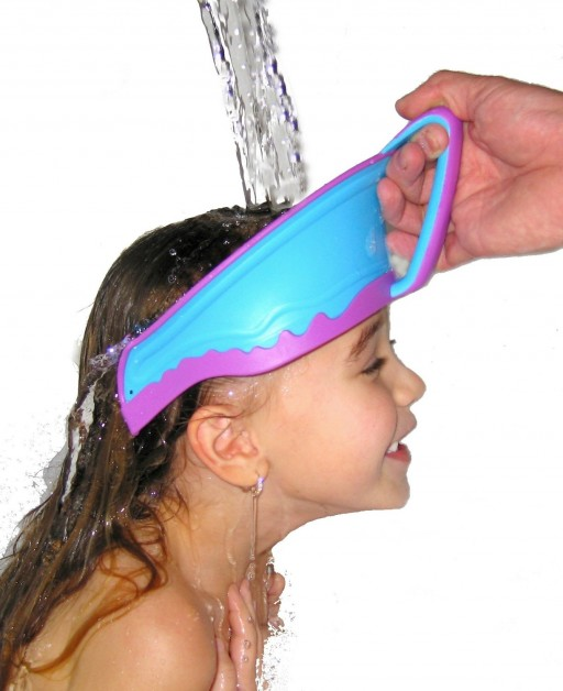How To Wash Hair For Babies With This Creative Baby Shower Cap 1